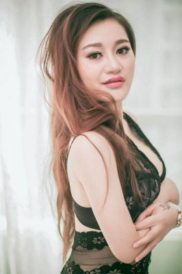 Sex dating with UAE prostitute (USD 1000 per hour)