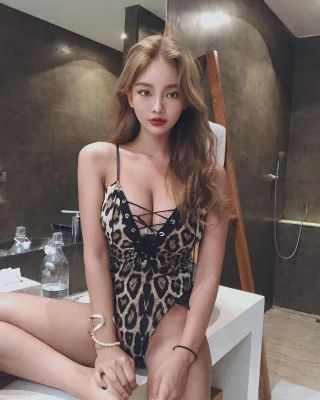 Miya is a model for sex and massage in Abu Dhabi