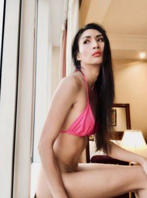 Experienced milf escort wants sex (23 years old, Abu Dhabi)