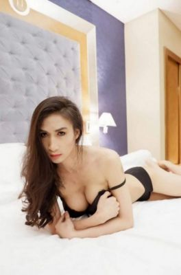 Arab escort in Abu Dhabi is waiting for your call at +971 52 437 2462