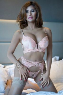 Pretty Alyssaluxor for escort adult entertainment in Abu Dhabi