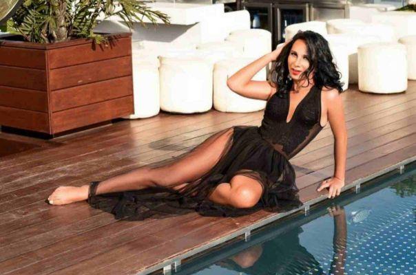 The sexiest among busty Abu Dhabi escorts - Karolineesp, 27 y.o.