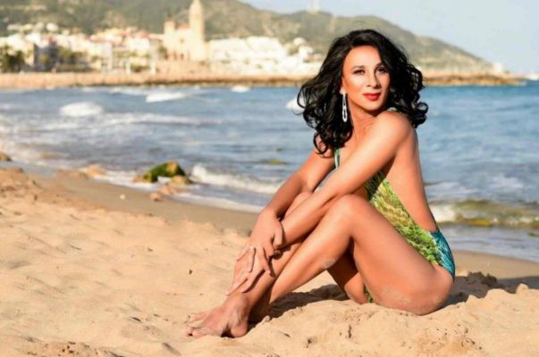 Book Karolineesp online on escort site SexAbudhabi.com