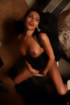 Abu Dhabi model escort Danisha Shemale: photos, reviews, services