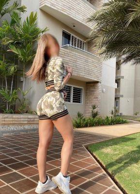 Book a hot Sherly, 170 cm on the best escort website