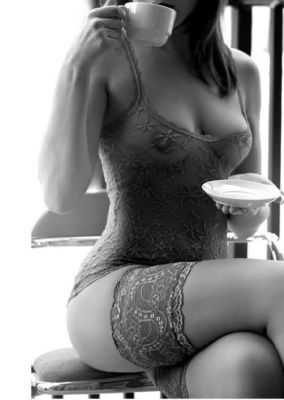 Pornstar escort in Abu Dhabi available on sexabudhabi.com for kinky gentleman