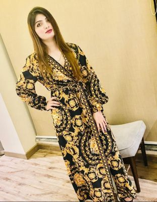 Miss Maahi, Abu Dhabi busty escort with big tits on sexabudhabi.com