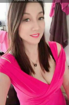 Maya  is one of the cheap call girls in UAE. Sex from AED 600